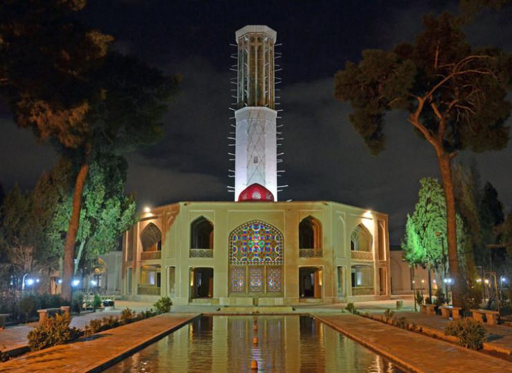 Le jardin et le badgir de Dowlat-abad (UNESCO)