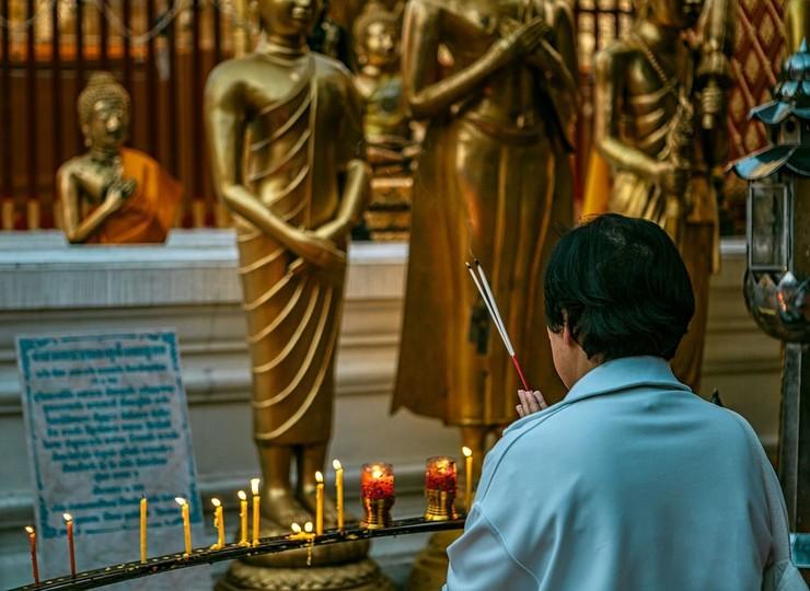 Bénédiction bouddhiste