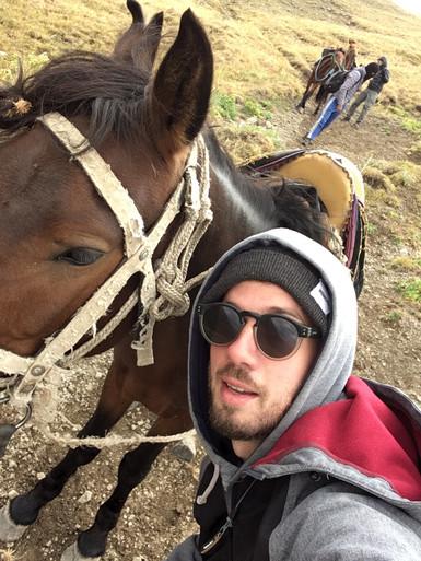 À cheval, sur les haut-plateaux kirghizes