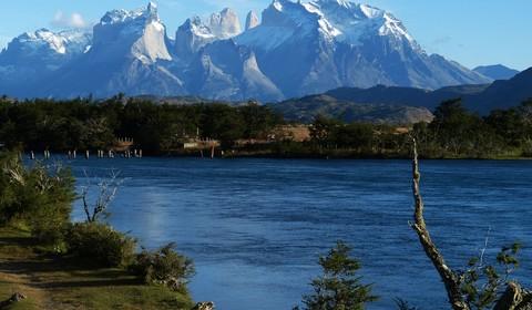 Monte Balmaceda - Rio Serrano / Torres del Paine