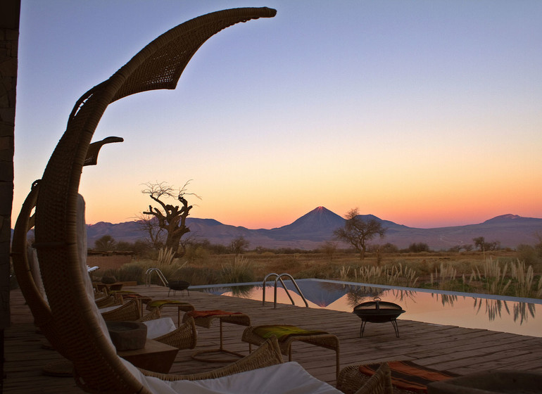 Chili Voyage TIerra Atacama terrasse piscine le soir