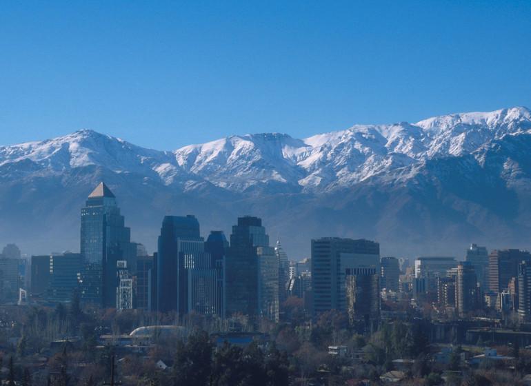 Chile Voyage Santiago du Chile skyline avec cordillère des Andes