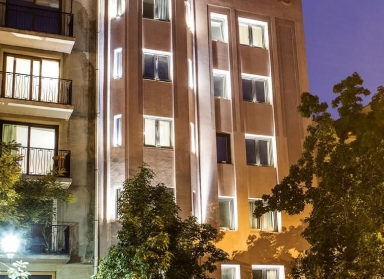 Chili Voyage Santiago Lastarria Luciano K façade