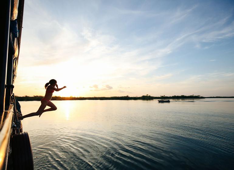 Brésil Voyage Amazon Dream saut dans l'eau