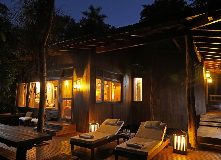 Argentine Voyage Iguazu Awasi Lodge terrasse nuit