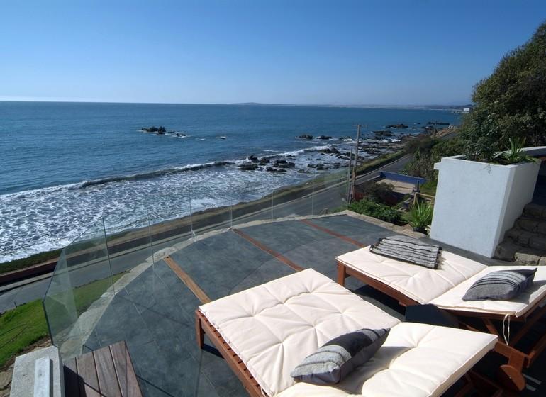 Voyage Chili Casa Doca Hotel terrasse avec chaiselongue