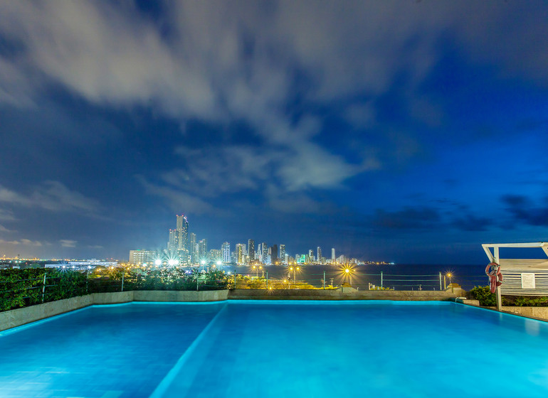 Colombie voyage Cartagena Charleston Santa Teresa piscine de nuit