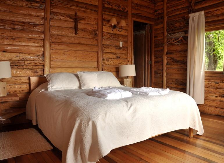 Chili Voyage Carreterra Austral Mallin Colorado bungalow double intérieur