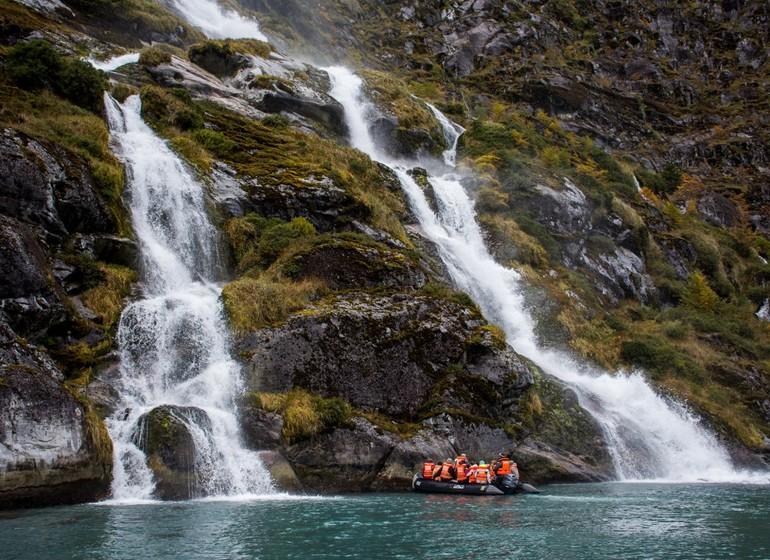 Chili Patagonie Voyage Croisière Cascade zodiac