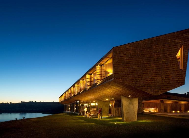Chili Voyage Tierra Chiloé extérieur le soir
