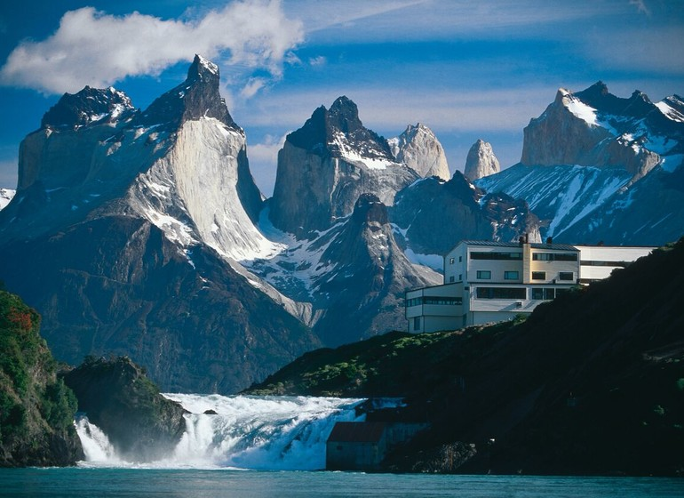Chili Voyage Explora Patagonia vue cuernos et cascade