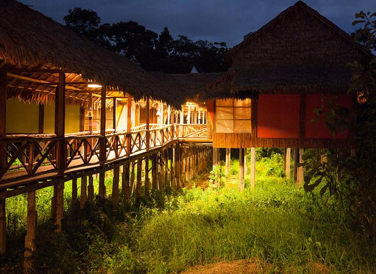 Pérou Voyage Amazonie Nord Heliconia River Lodge le soir