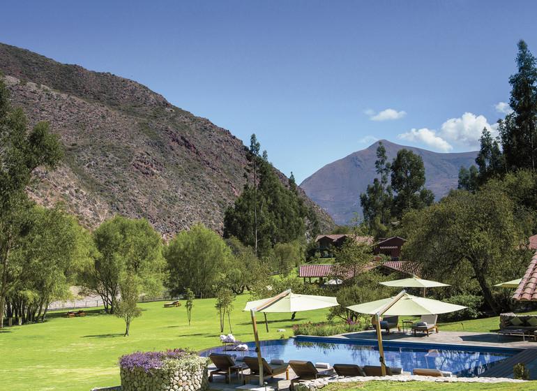 Pérou Voyage Vallée Sacrée jardin avec piscine