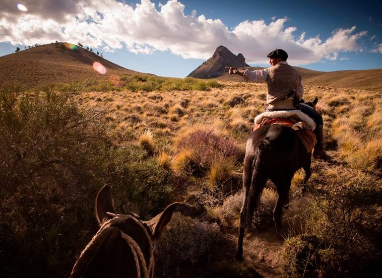 Argentine Voyage Région des Lacs Tipiliuke Lodge  à cheval