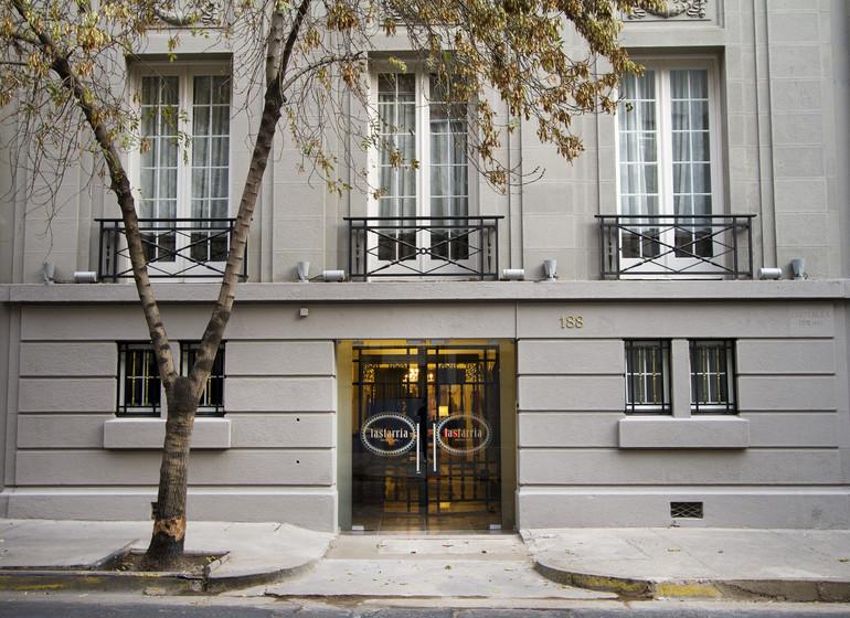Chili Voyage Santiago Casa Bueras façade