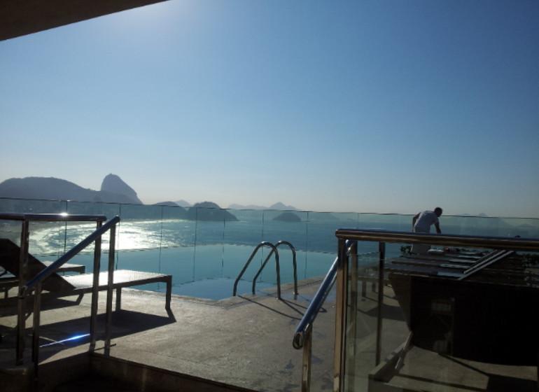 Brésil Voyage Rio de Janeiro vue d'une terrasse de Copacabana