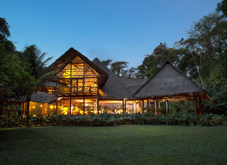 Pérou Voyage Amazonie Sud Rio Madre de Dios main house le soir