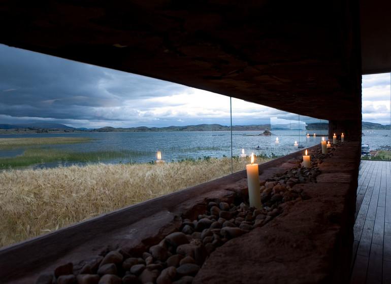 Voyage Pérou Titilaka Lodge ambiance avec bougies