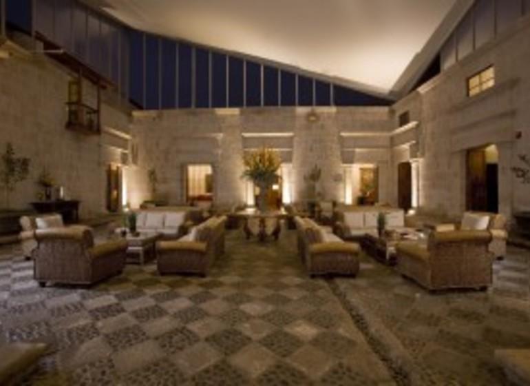 Pérou Voyage Arequipa Casa Andina Premium salon lobby