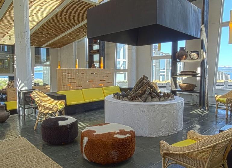 Chili Voyage Remota salon avec cheminée