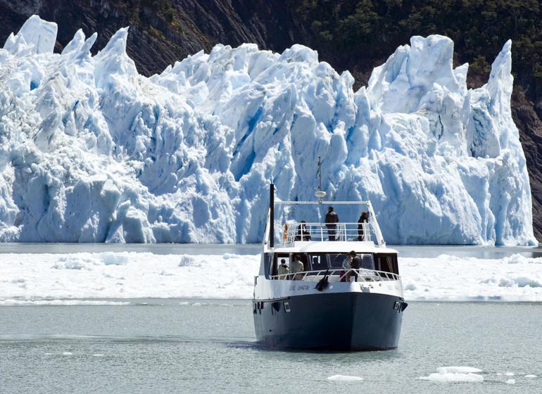 Argentine Voyage Parc National des Glaciers Marpatag cruising