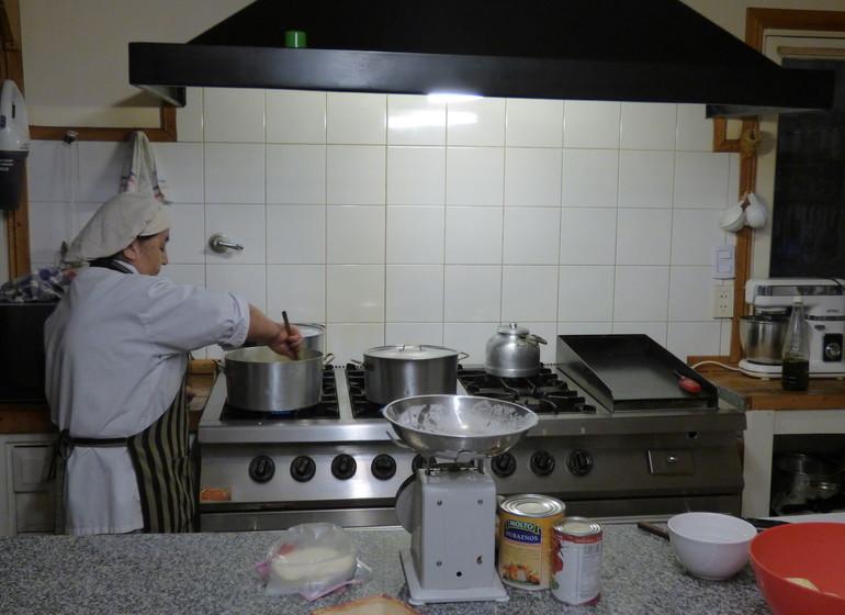Argentine Voyage Région des Lacs Tipiliuke dans la cuisine