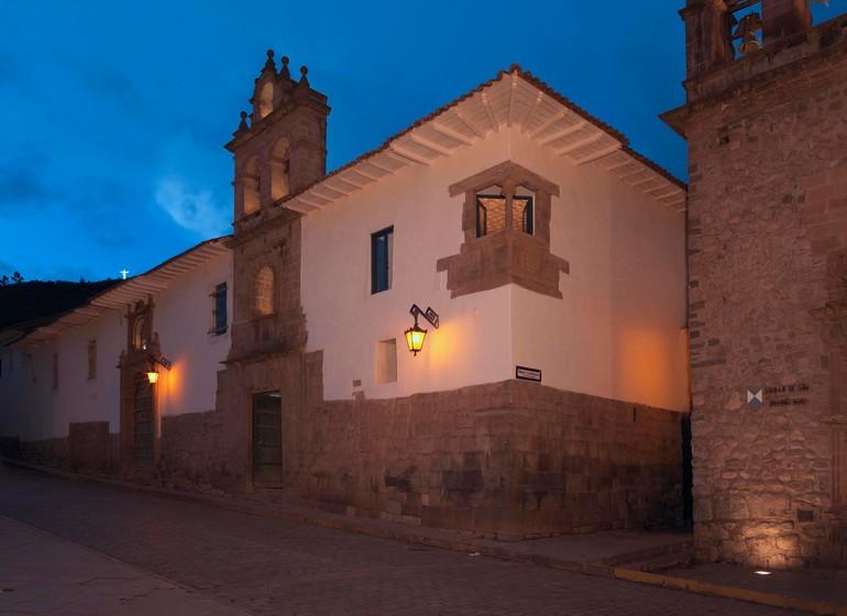 Pérou Voyage Cusco Palacio Nazarenas extérieur