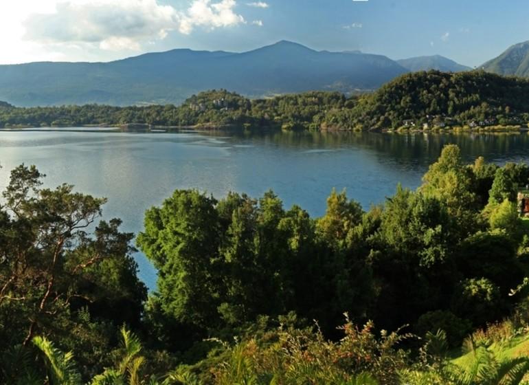 Chili Voyage Pucón Antumalal  vue sur Lac Villarica