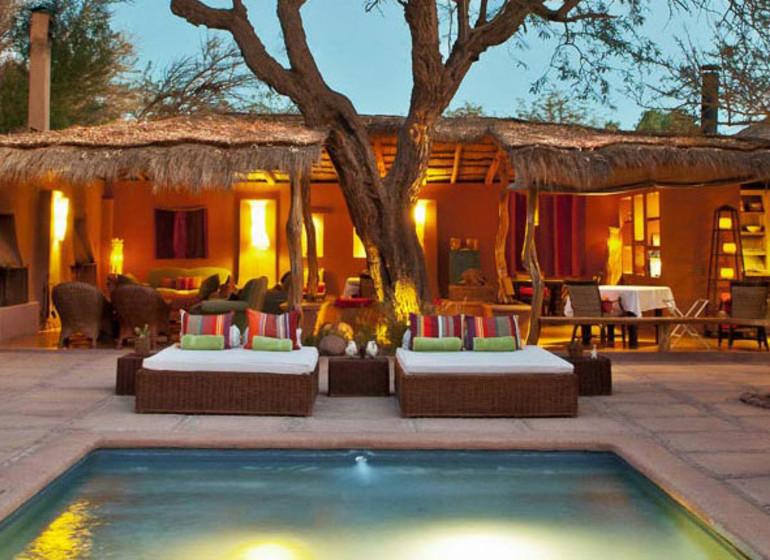 Chili Voyage Awasi Atacama patio avec piscine