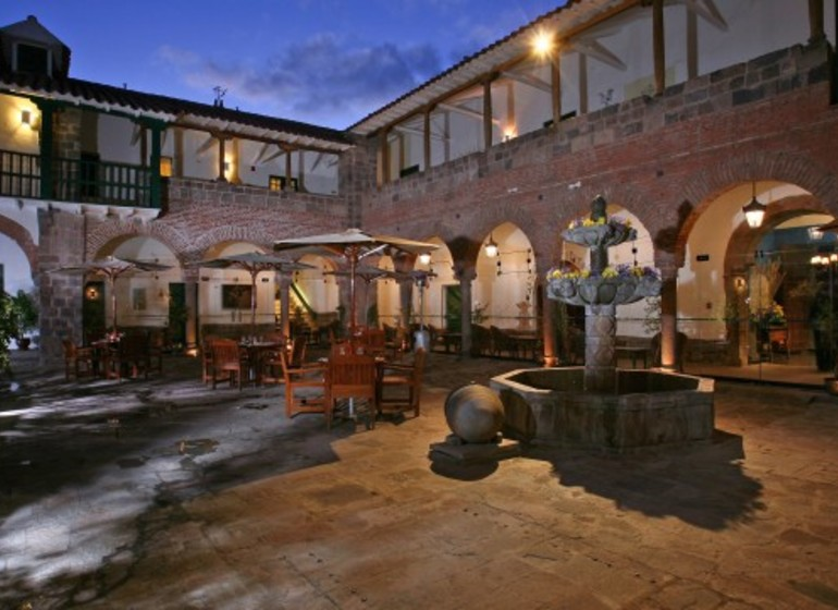 Pérou Voyage Arequipa Casa Andina Premium Patio le soir