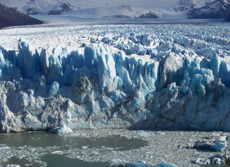 Chili Voyage Croisière Australis près d'un glacier