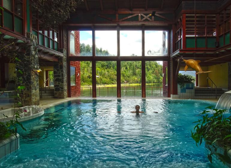 Chile Voyage Puyuhuapi Lodge piscine intérieure