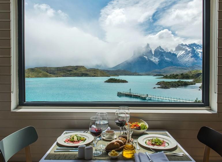 Chili Voyage Explora Patagonia déjeuner avec vue