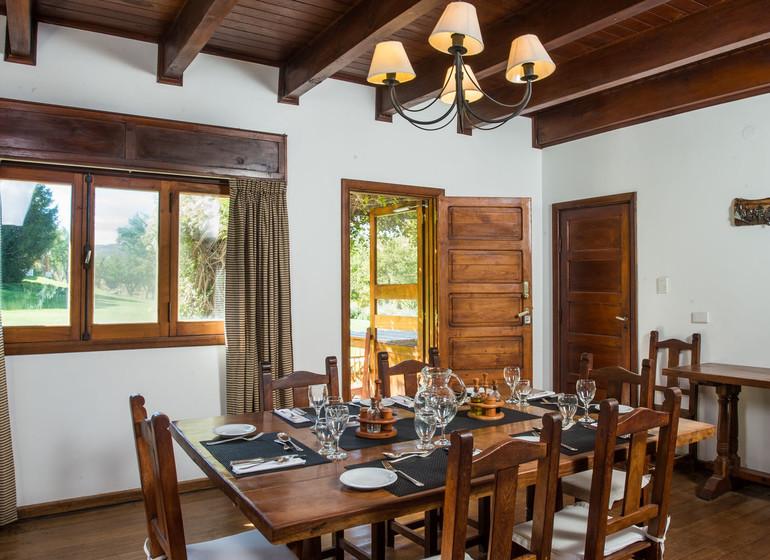 Argentine Voyage Patagonie Huechahue Ranch salle à manger