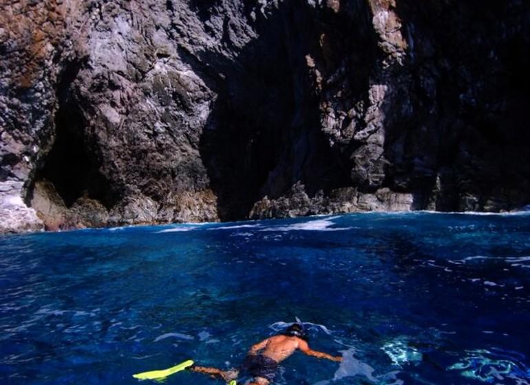 Chili Voyage Explora Rapa Nui snorkelling