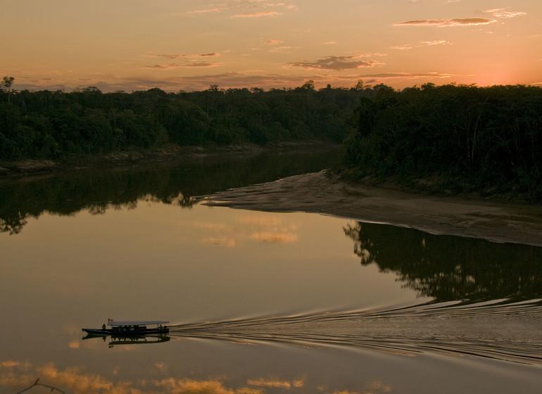 Pérou Voyage Amazonie navigation sur le Madre de Dios