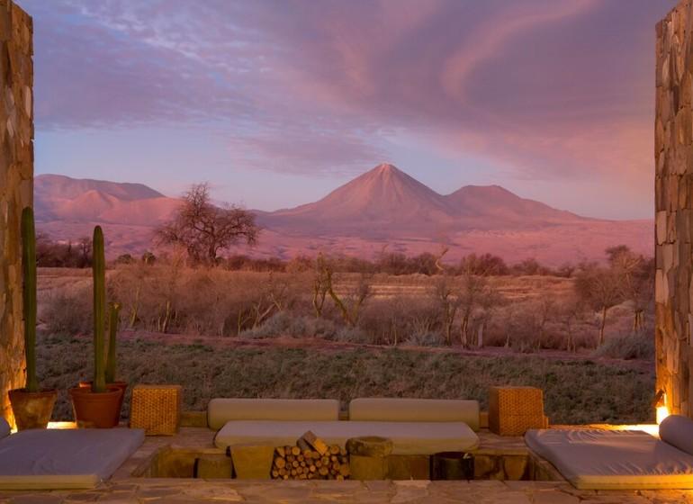 Chili Voyage TIerra Atacama terrasse avec vue sur Licancabur