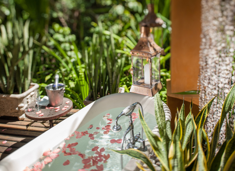Brésil Voyage Pipa Toca da Coruja baignoire extérieure