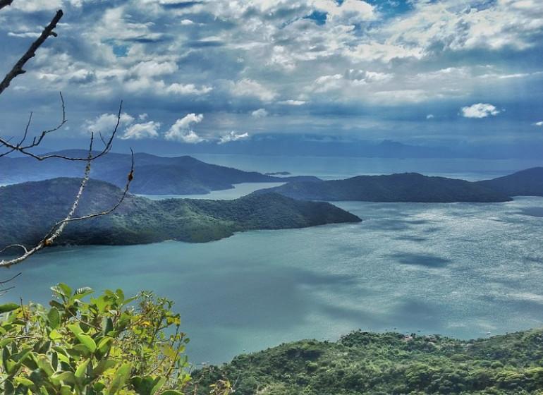 Brésil Voyage Fjord Mamangua nuages