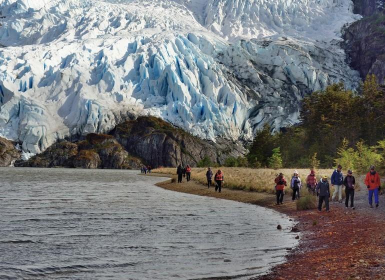 Chili Voyage Croisière Australis rando approche glacier