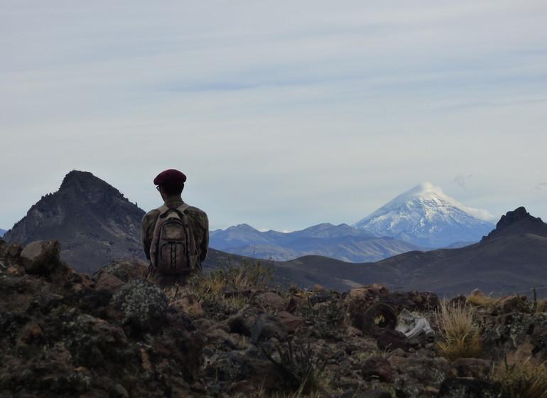 Chili Argentine Région des Lacs vue sur volcan de Lanin