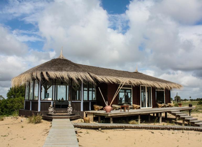 Uruguay Voyage Carmelo Resort cabane vers la rivière