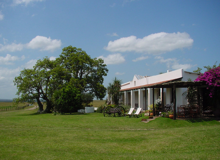 Uruguay Voyage Guardia del Monte jardin et accès chambres