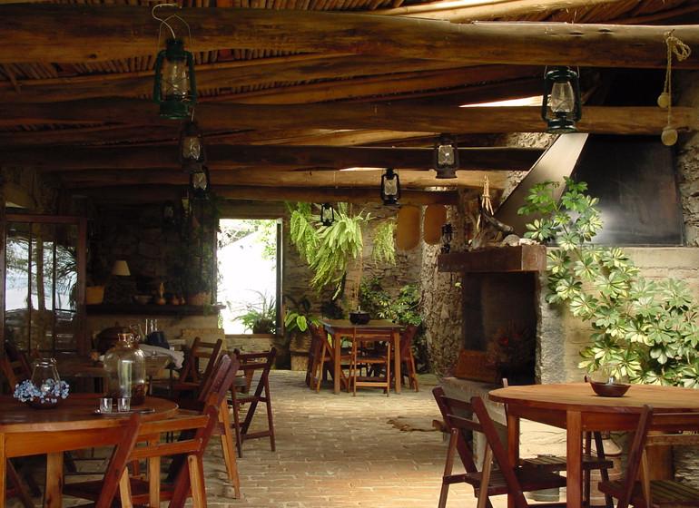 Uruguay Voyage Guardia del Monte social area semi-dehors