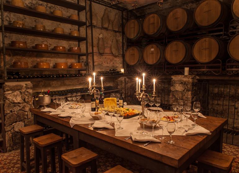 Uruguay Voyage Finca Narbona Relais & Châteaux repas cave à vins