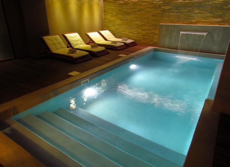 Uruguay Voyage Colonia Riverside piscine intérieure