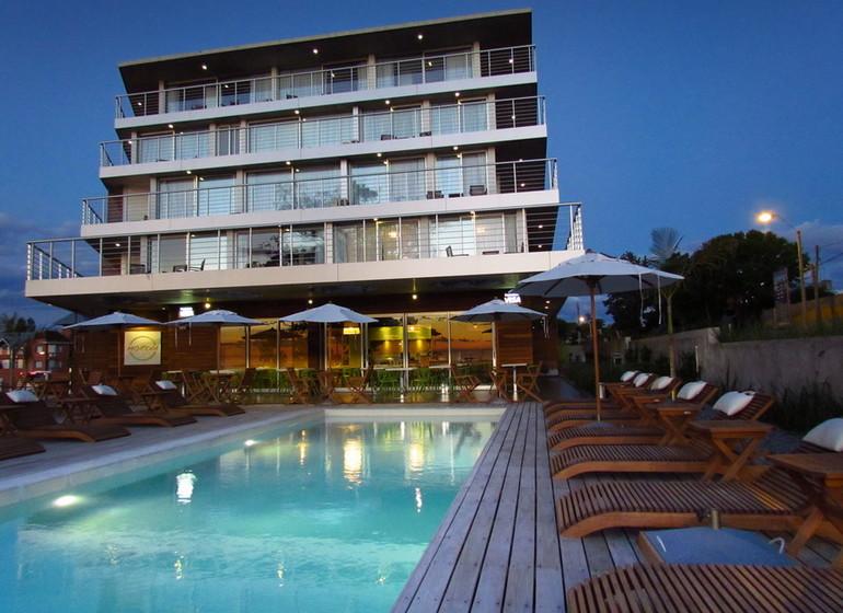 Uruguay Voyage Colonia Riverside casa avec piscine et terrasse