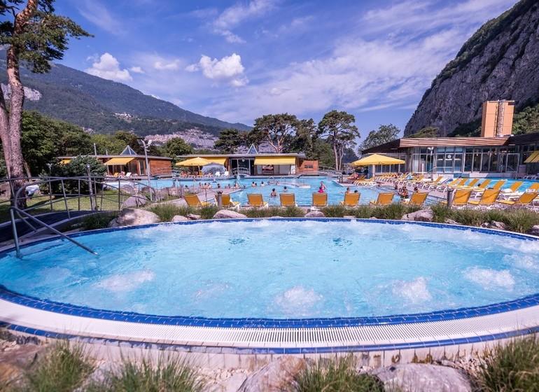 Voyage en Suisse Valais eco-lodge découverte accro branche bains de Lavey massage