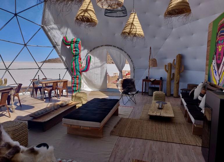 Voyage Bolivie Kachi Lodge dome restaurant et salon de l'intérieur