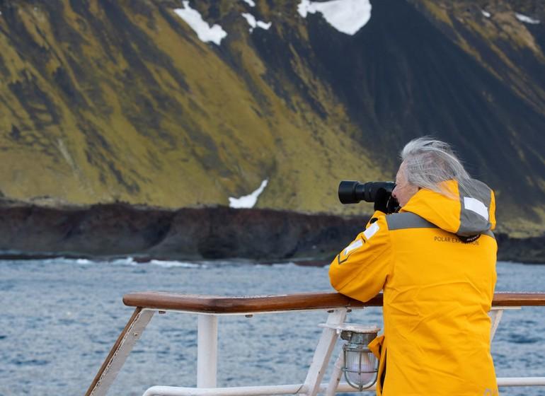 Les trois îles de l'Arctique :  Spitzberg, Groenland et Islande.